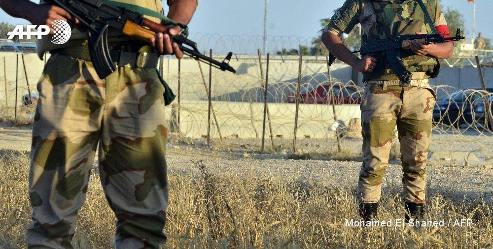 НаСинае при взрыве заминированного авто погибли 10 военных