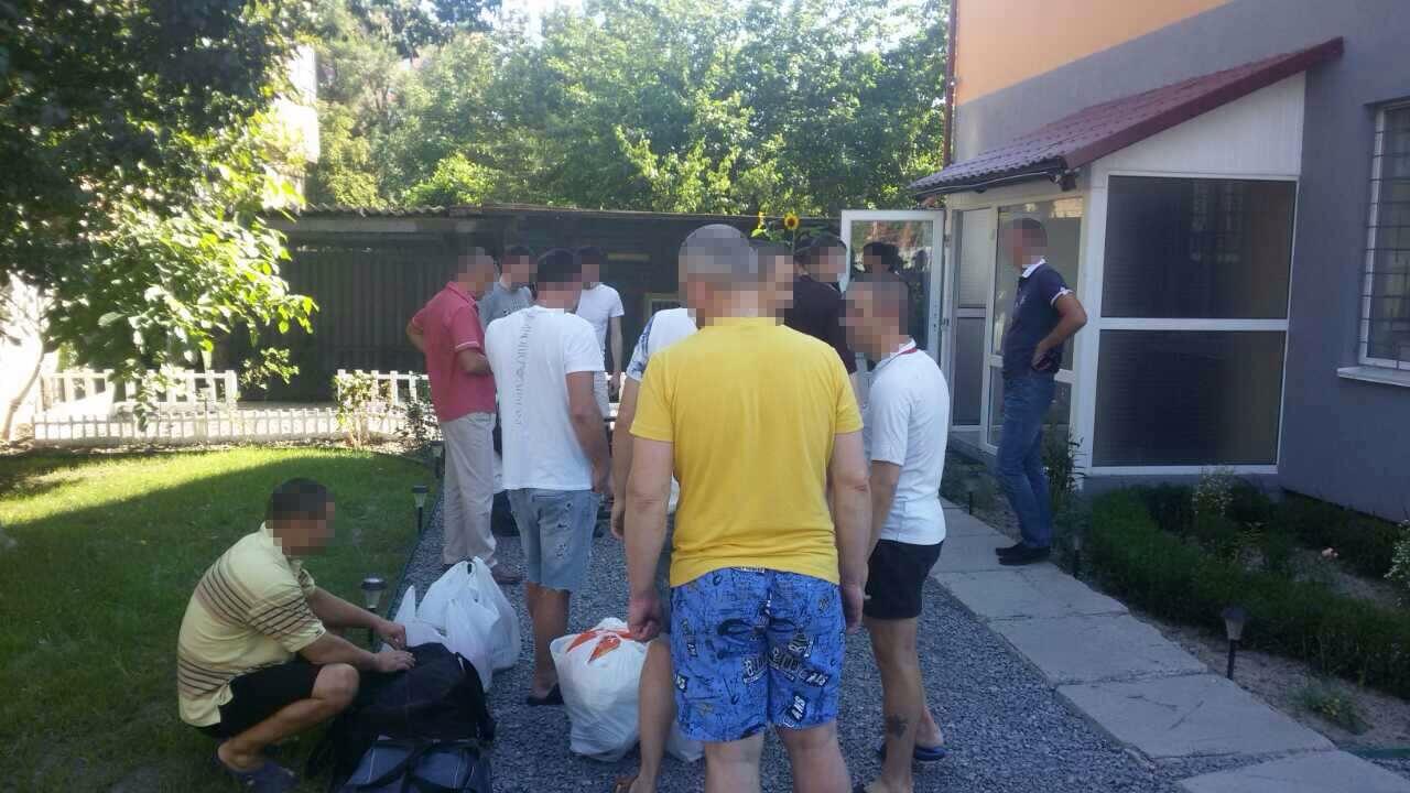 ВПолтаве 20 украинцев иодного американца насильно удерживали вреабилитационном центре