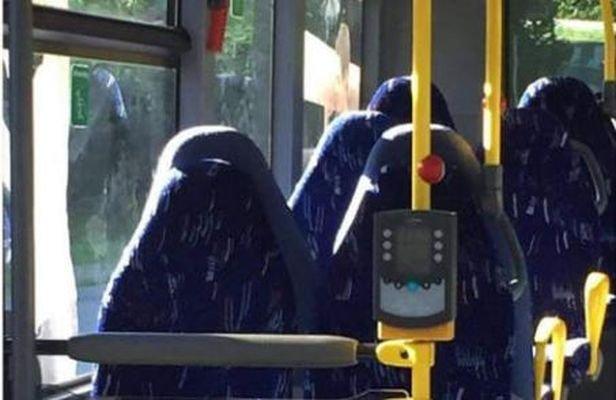 Норвежские националисты приняли сиденья автобуса замусульманок