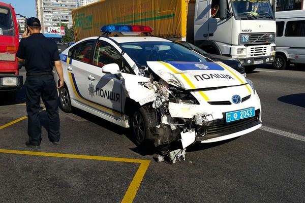 В милиции подсчитали, сколько авто разбили украинские патрульные