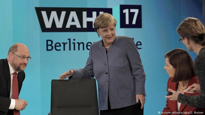 Порошенко поздравил Меркель спобедой навыборах