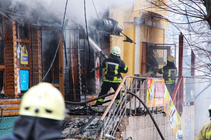 ВОдессе заодин раз сгорели ресторан, кафе иаптека