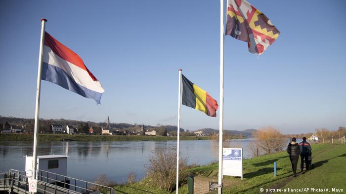 Бельгия иНидерланды обменялись территориями иизменили границы