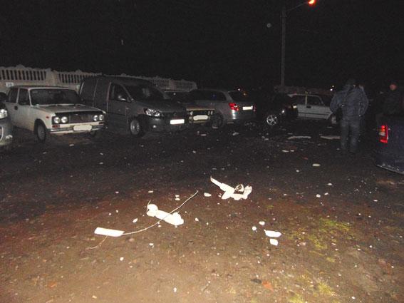 ДТП вРивне: шофёр влетел взабор и поломал 26 авто