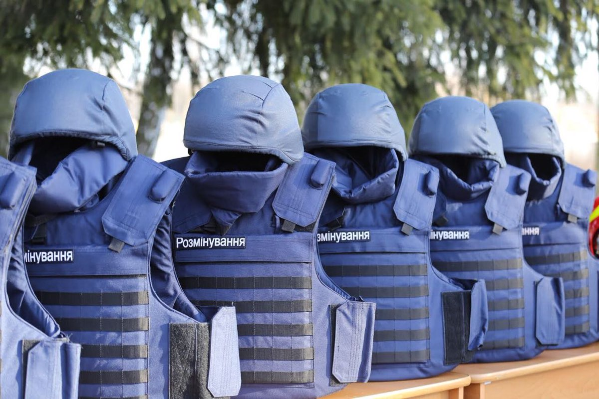 Аваков призвал нацполицию инацгвардию быть готовыми кработе вДонбассе