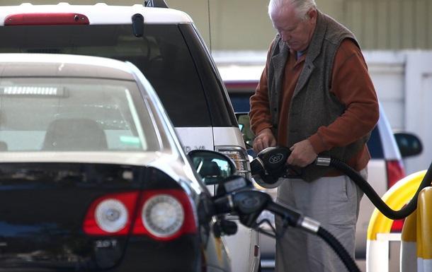 Специалист пояснил, почему растут цены набензин