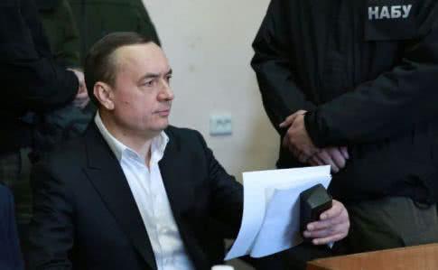 Всуд передано 200 томов документов поделу экс-нардепа Мартыненко