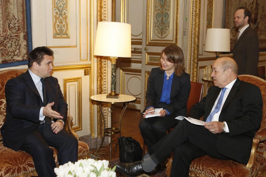 МИД: Франция поддерживает введение миротворцев ООН наДонбасс