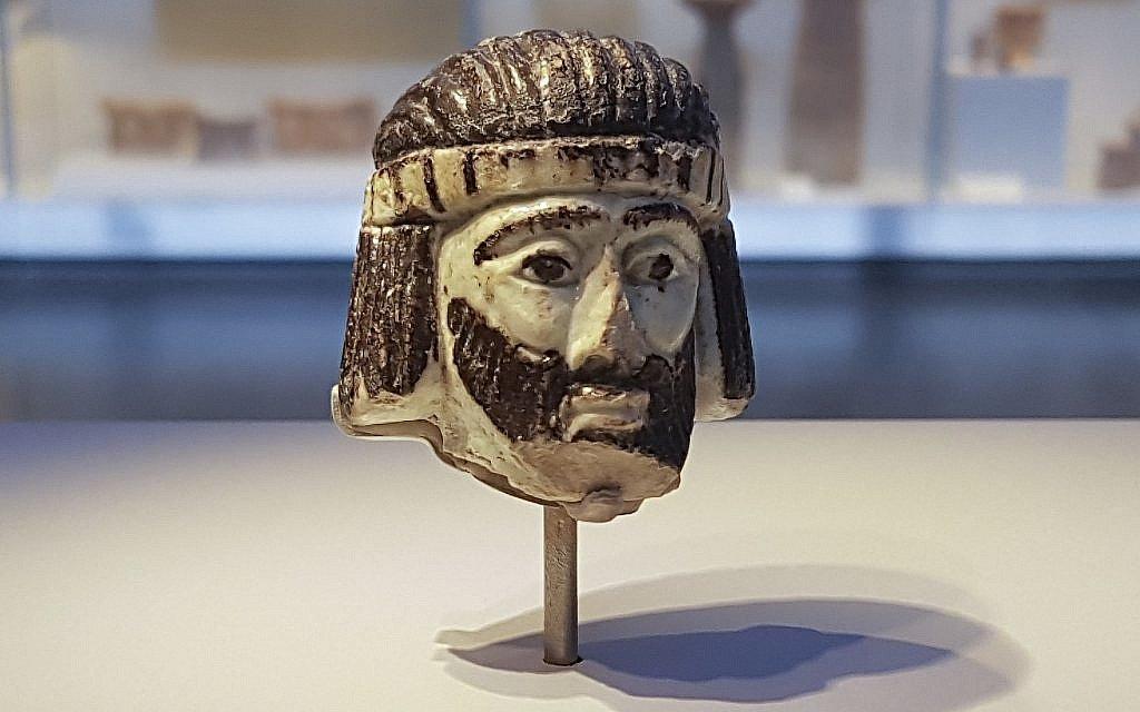 Израильские археологи откопали 3000-летнюю фигурку неизвестного царя