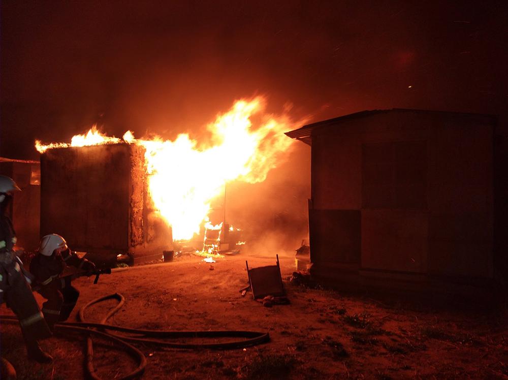 почему картинки как пожарные тушили огонь пешей доступности