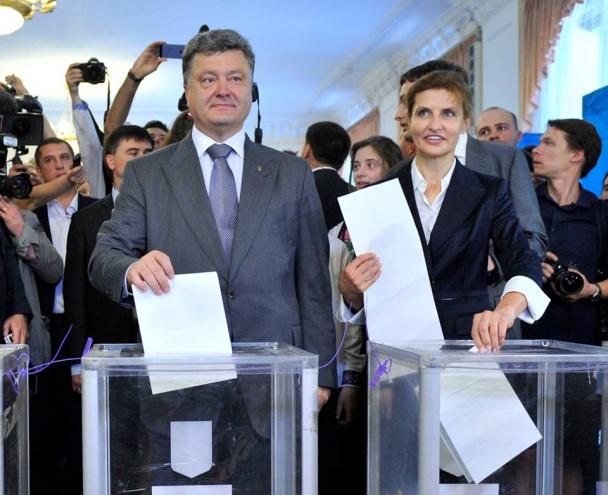 Порошенко обратился к украинцам перед выборами: Голосуйте по совести