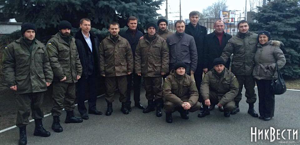 В Николаев возвращаются трое гвардейцев, освобожденных из плена